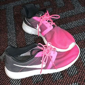 Nike Roshes